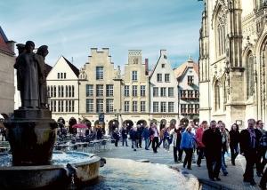 Stadtrundgang am Lambertibrunnen in Münster
